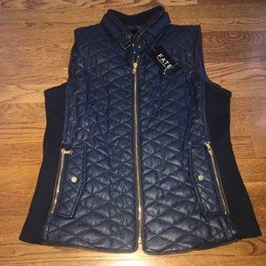 Vegan faux leather Quilted navy blue vest L